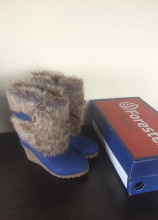 Зимние ботинки / сапожки на танкетки фирмы forester