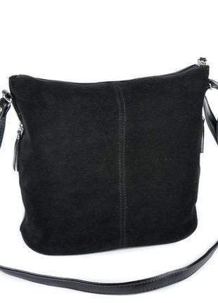 Замшевая черная сумка через плечо кросс боди с глянцевой основой