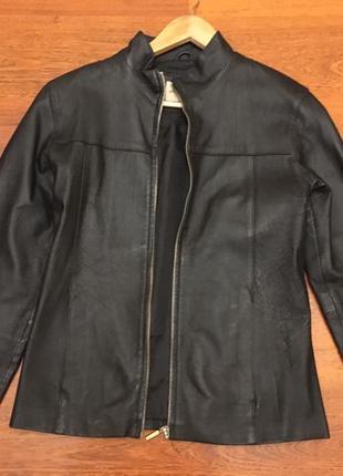 Кожаная куртка курточка