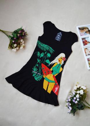 Черное летнее платье с тропическим принтом1
