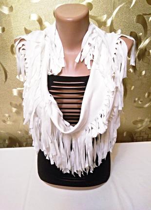 Экстравагантный шарф-снуд молочного цвета 180 см - 38 см.