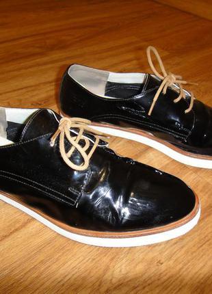 Кожаные лаковые женские туфли р.39, стелька 25см европейское качество