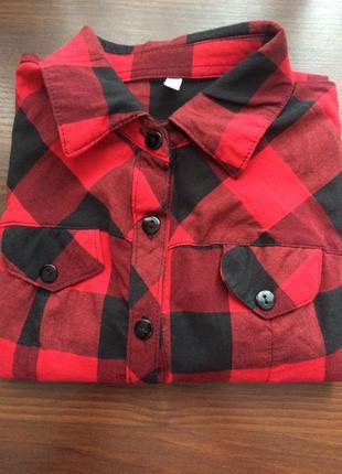 Рубашка в черно-красную клетку