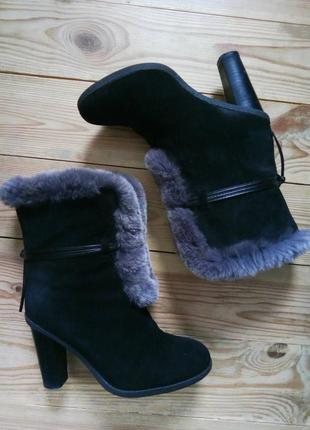 37р/24.5 зимние теплые замшевые черные ботинки с мехом,внутри цигейка,полу сапожки.