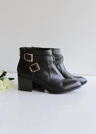 Новые ботинки, полусапожки на среднем каблуке