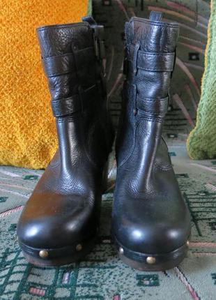 Ботинки новые демисезонные р. 39, 25 см по стельке