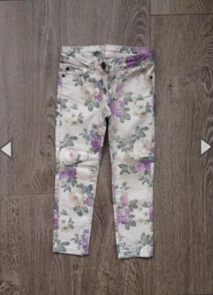 Шикарные эластичные джинсы next. 6-7 лет.