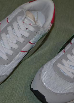 Фирменные новые кроссовки diadora