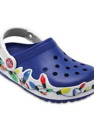 Красивенные мигающие crocs lights holiday clog