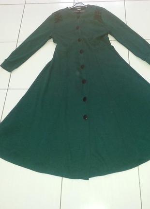 Трикотажное зеленое платье