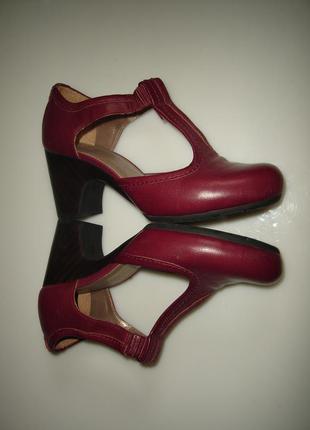 Кожаные туфли clarks р 39, стелька 25,5 см, сделаны в бразилии