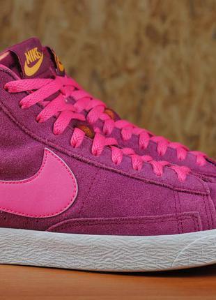 Розовые замшевые высокие кроссовки, кеды nike blazer (найк блейзер) 36,5 размер. оригинал