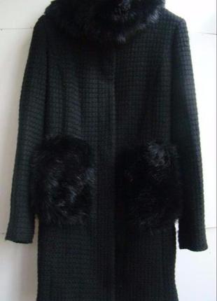 Стильное черное деми пальтишко,бренда zara, подойдет на 46,48 р.