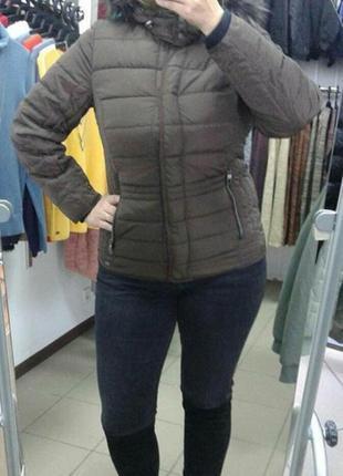 В наявності!!! зручна тепла куртка!