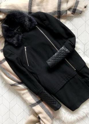 Демисезонное пальто черное на молнии с меховым воротником размер s dorothy parkins