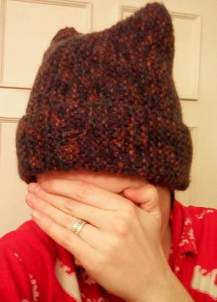 Шерстяная шапка с ушками