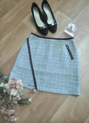 Модная стильная мини юбка трапеция в клетку с отделкой