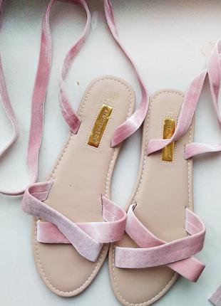 Замшевые сандалии с завязками atmosphere