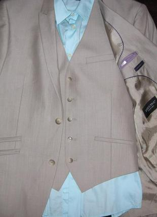 Элегантный костюм тройка.р.48-50. идеальный вариант для торжественных мероприятий