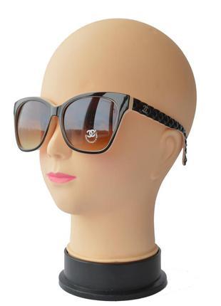 Женские солнцезащитные очки коричнево бежевые