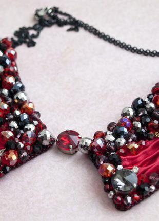 Подвеска красная с камнями лента шибори. воротник ручной работы стильное украшение