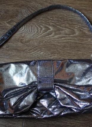Серебристый стеганый клатч