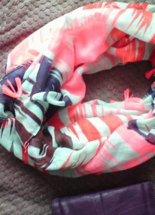 Отличный,мега модный шарф-хомут,весна-осень 40грн