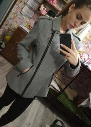 Серое пальто весна/осень