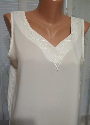 Белая майка, блуза с вышивкой. 1+1= 50% скидки на 3ю вещь.