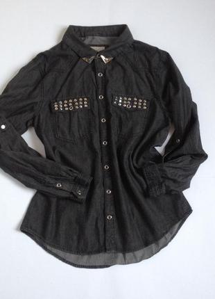 Темная джинсовая рубашка с фурнитурой