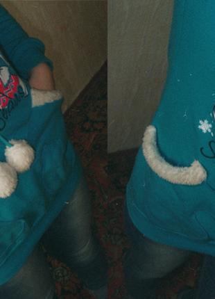 Очень теплый и мягкий удлиненный свитерок с мишкой:)
