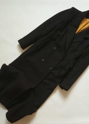 Длинное шерстяное пальто в винтажном стиле прямого кроя