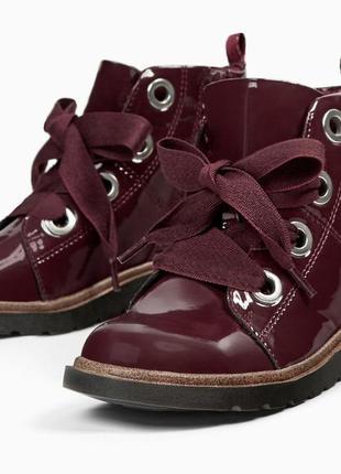 Красивенные ботиночки для девочки от zara. размеры 28,30, 32,37