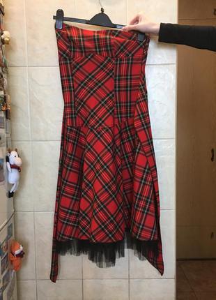 Бомбическое платье в шотландскую клетку