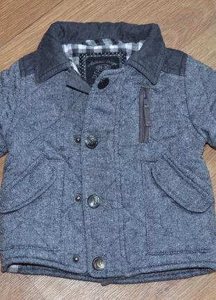 Стеганное демисезонное пальто на маленького модника от next