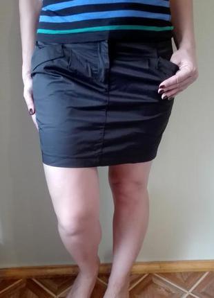 Атласная юбка с карманами sela размер м, офис, школа