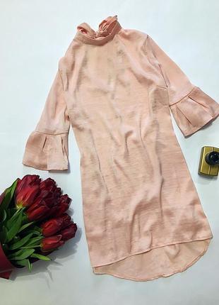 Великолепное нюдовое платье