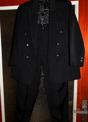 Костюм тройка, пиджак, жилетка, брюки..несколько штук, распродажа