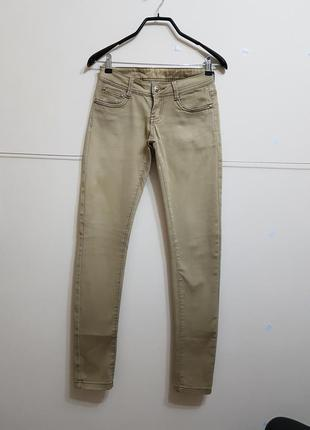 Стильные штаны болотного цвета