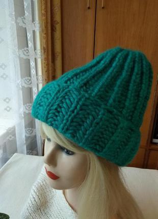 Мягкая теплая вязаная и стильная женская шапка бини удлиненная