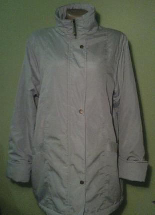 Удлиненная демисезоная куртка пальто
