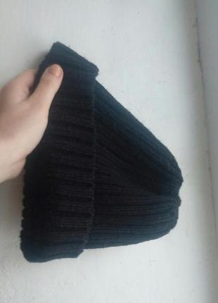 Черная шапка bershka
