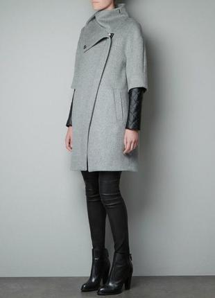 Шерстяное великолепное пальто очень высокого качества! zara