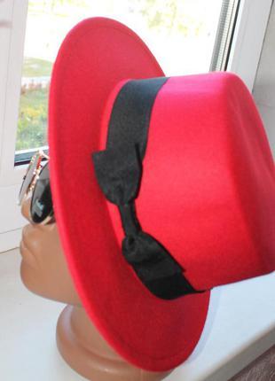 Новая фетровая шляпа канотье, красная