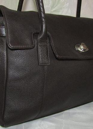 Вместительная , удобная сумка 100 % мясистая кожа - autograph -