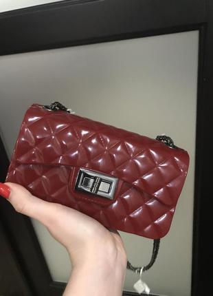 Сумка красная, сумка лаковая, клатч резиновый, клатч красный, резиновая сумка