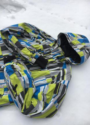 Горнолыжная куртка от фирмы cygnus
