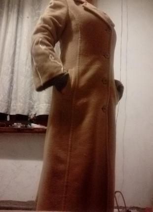 Пальто демисезонные кашемировые.