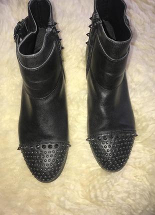 Весенние ботиночки на низком каблуке