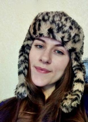 Леопардовая шапка ушанка